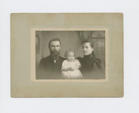 Photo of Lutah Maria Riggs as an infant with her parents, December 1897. From the Lutah Maria Riggs Papers, collection 169.